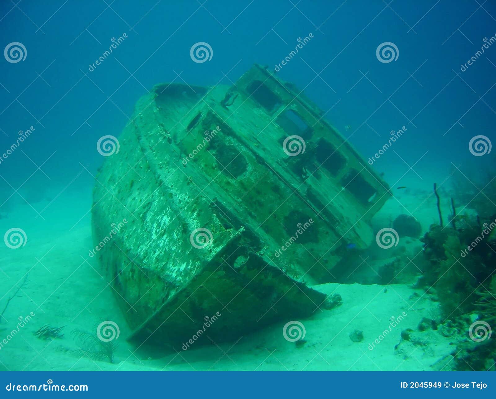 развалина корабля