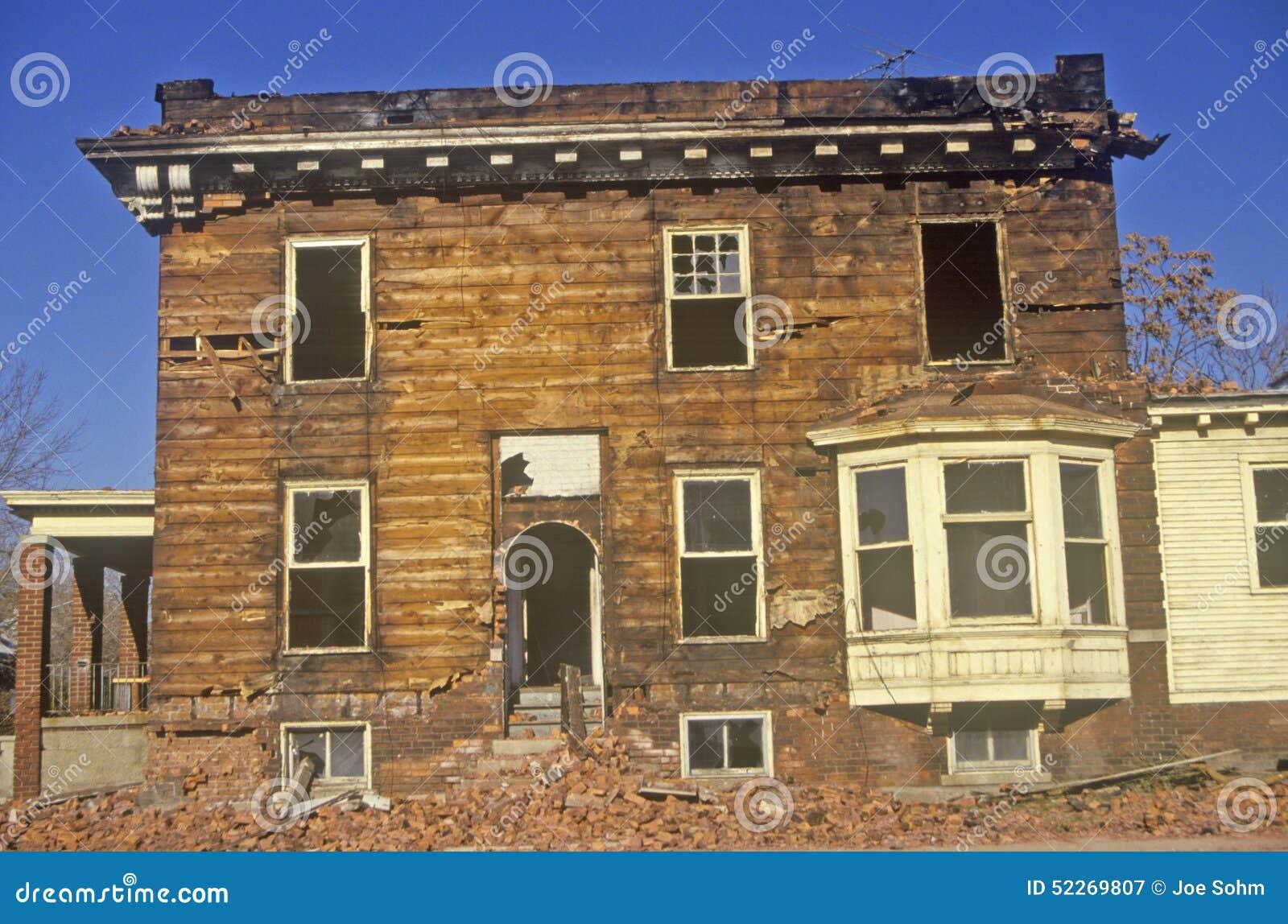 Разваленное здание в Детройте, трущоба MI