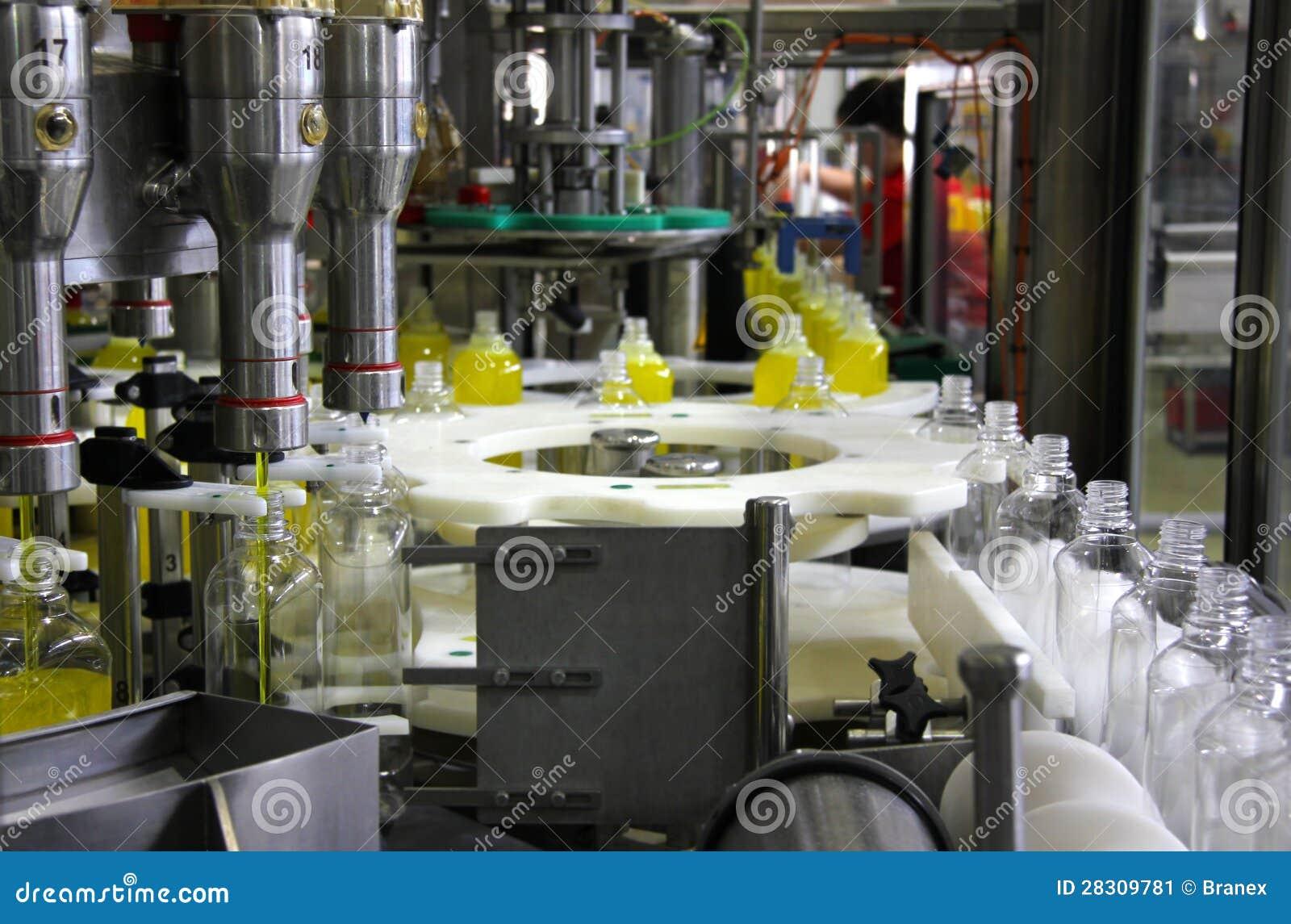 Разливая по бутылкам жидкостный тензид