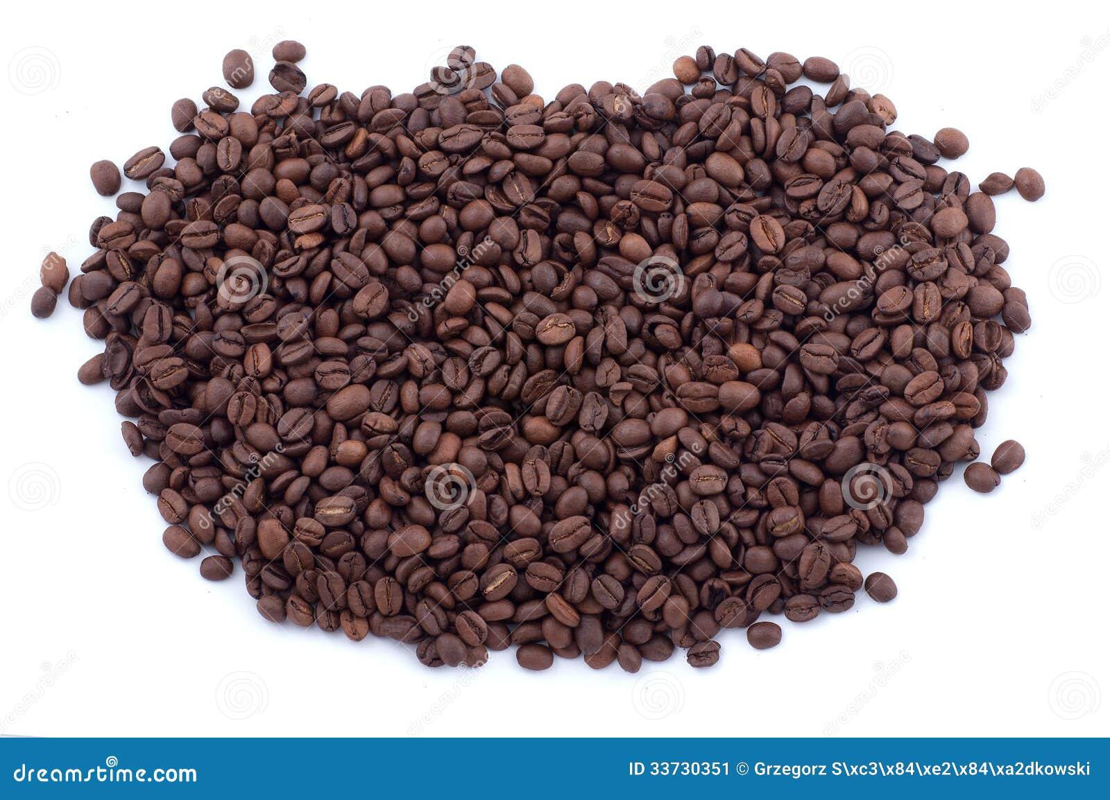 Разлитые кофейные зерна