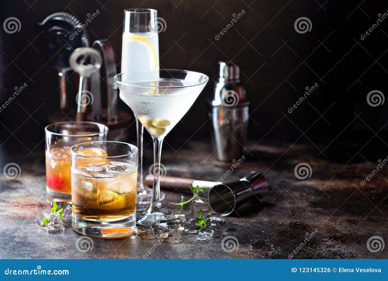 Разнообразие спиртных коктеилей