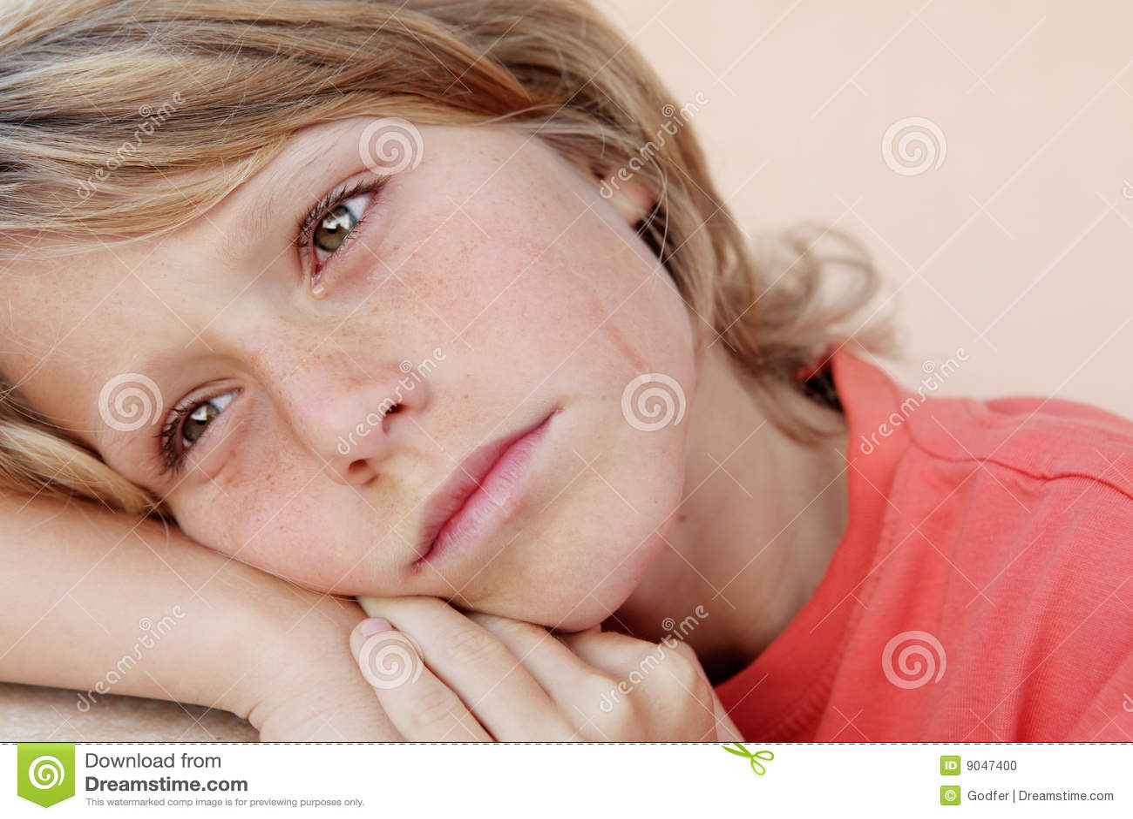 разрывы ребенка плача унылые