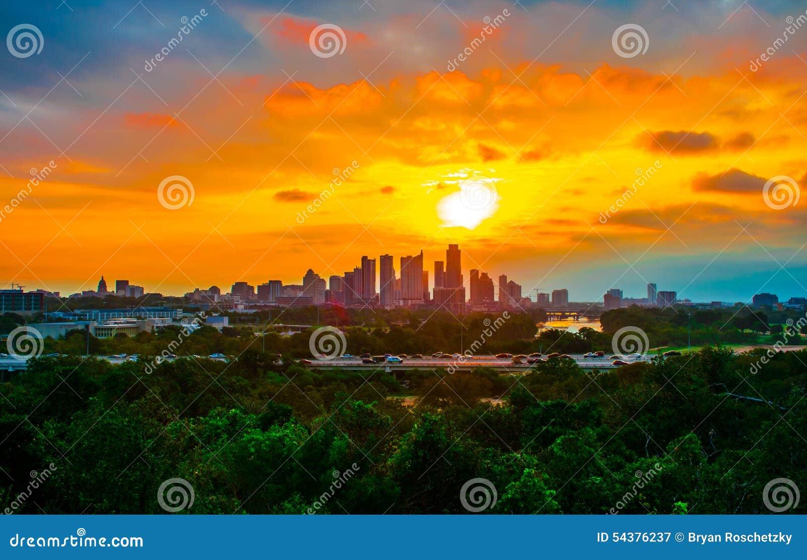 Раз в восходе солнца Остине Техасе продолжительности жизни совершенном