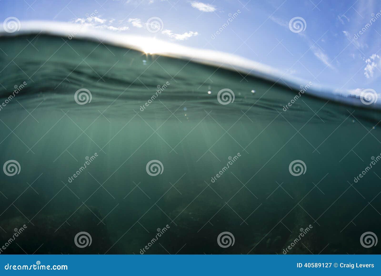 Разделенная вода взгляда
