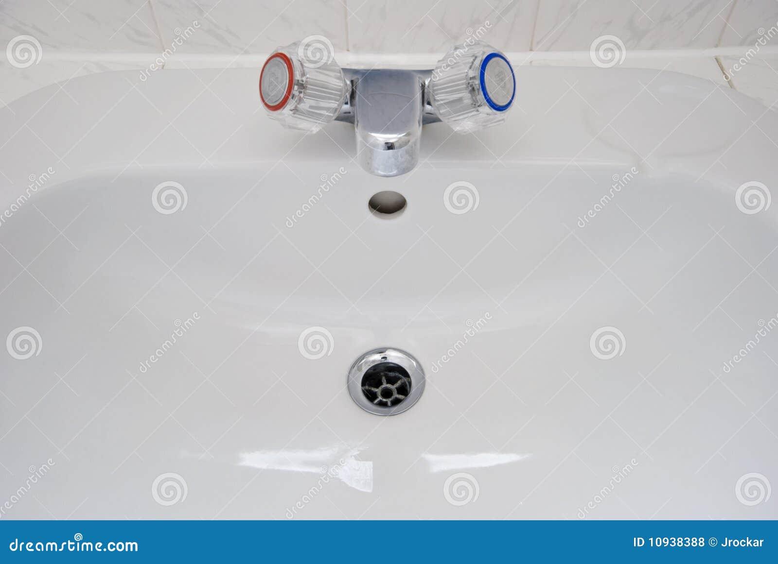 раковина ванной комнаты