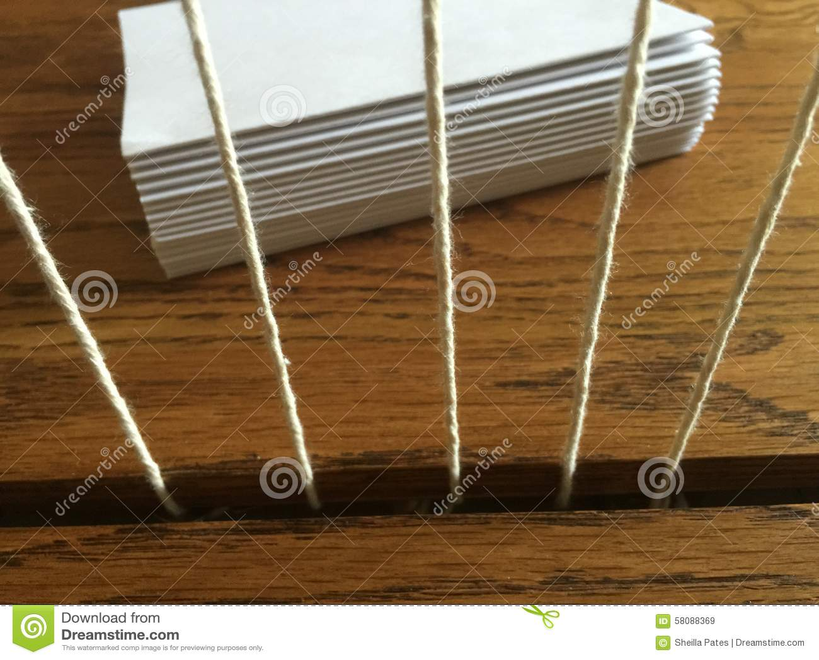 Рамка деревянного bookbinding шить с подписями