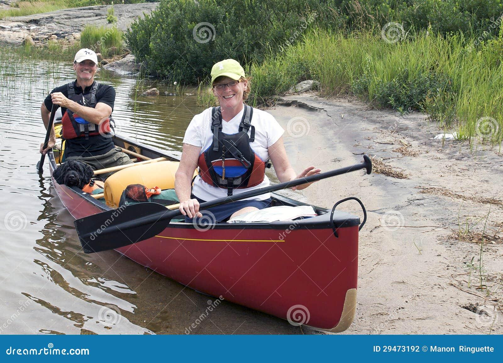 Располагаться лагерем каное
