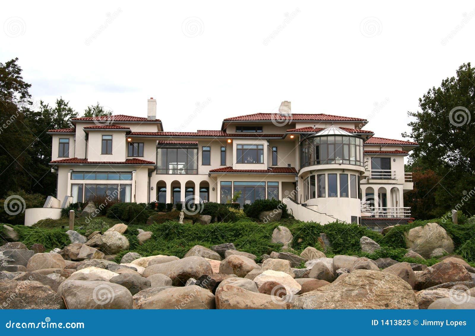реальное имущества домашнее роскошное