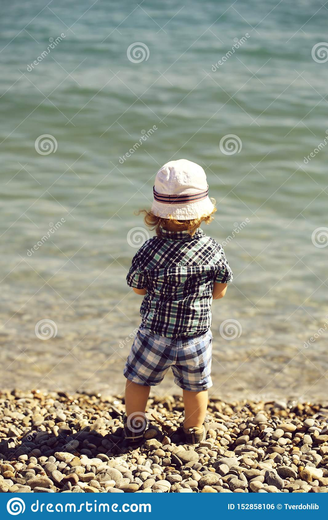 Ребенок на Pebble Beach