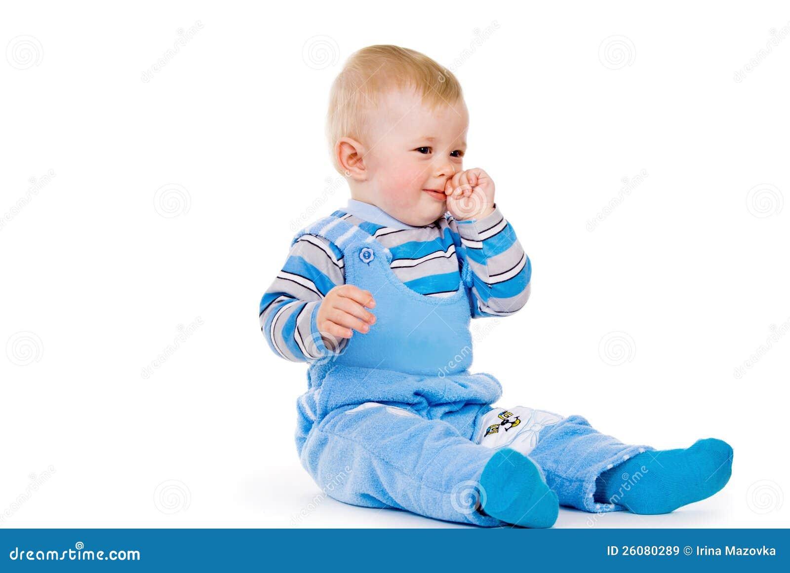 Почему ребенок чешет глаза и нос