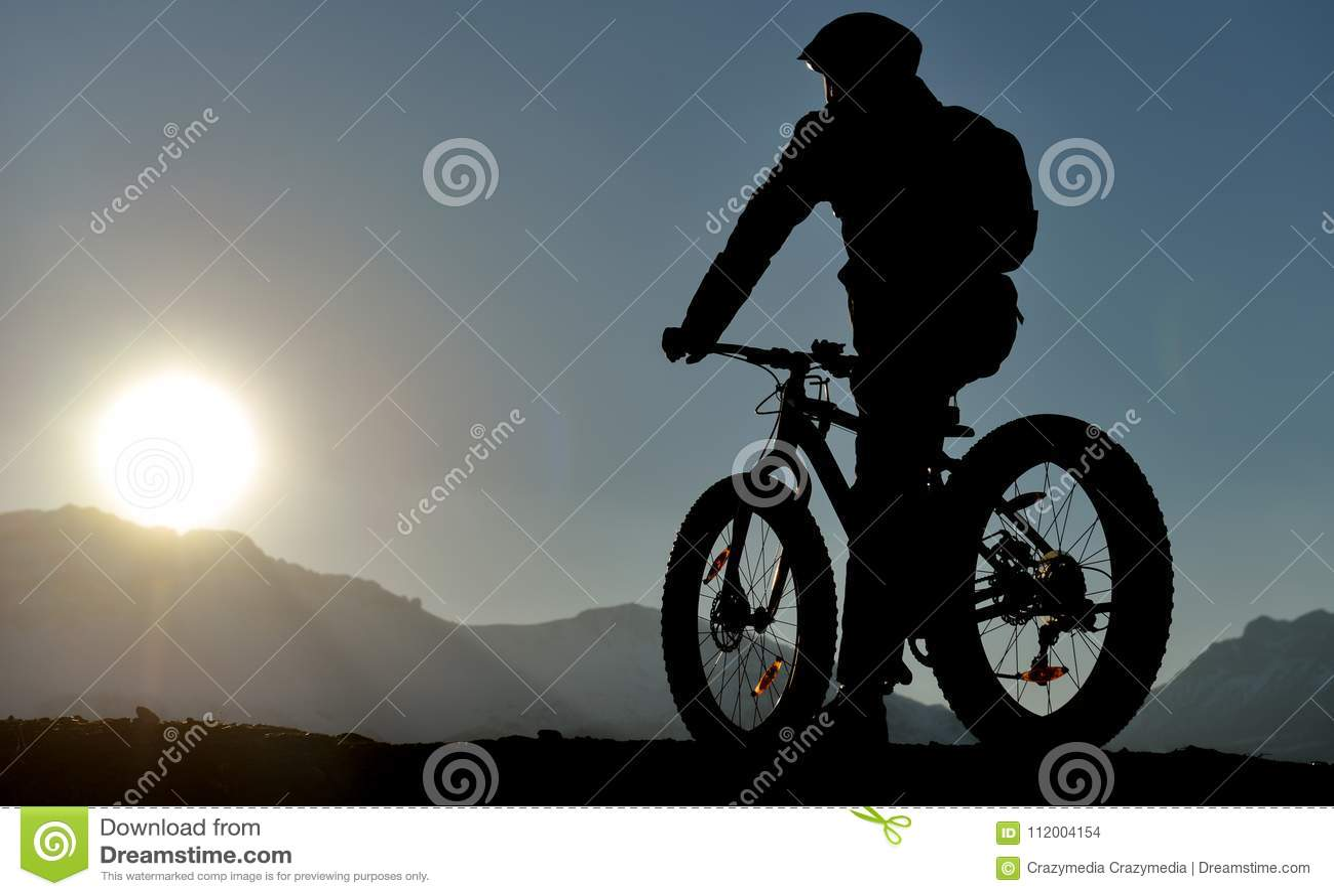 Резвит силуэт велосипедиста
