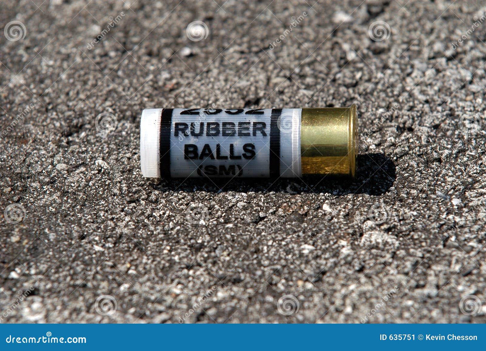 Download резина пули стоковое изображение. изображение насчитывающей полиции - 635751
