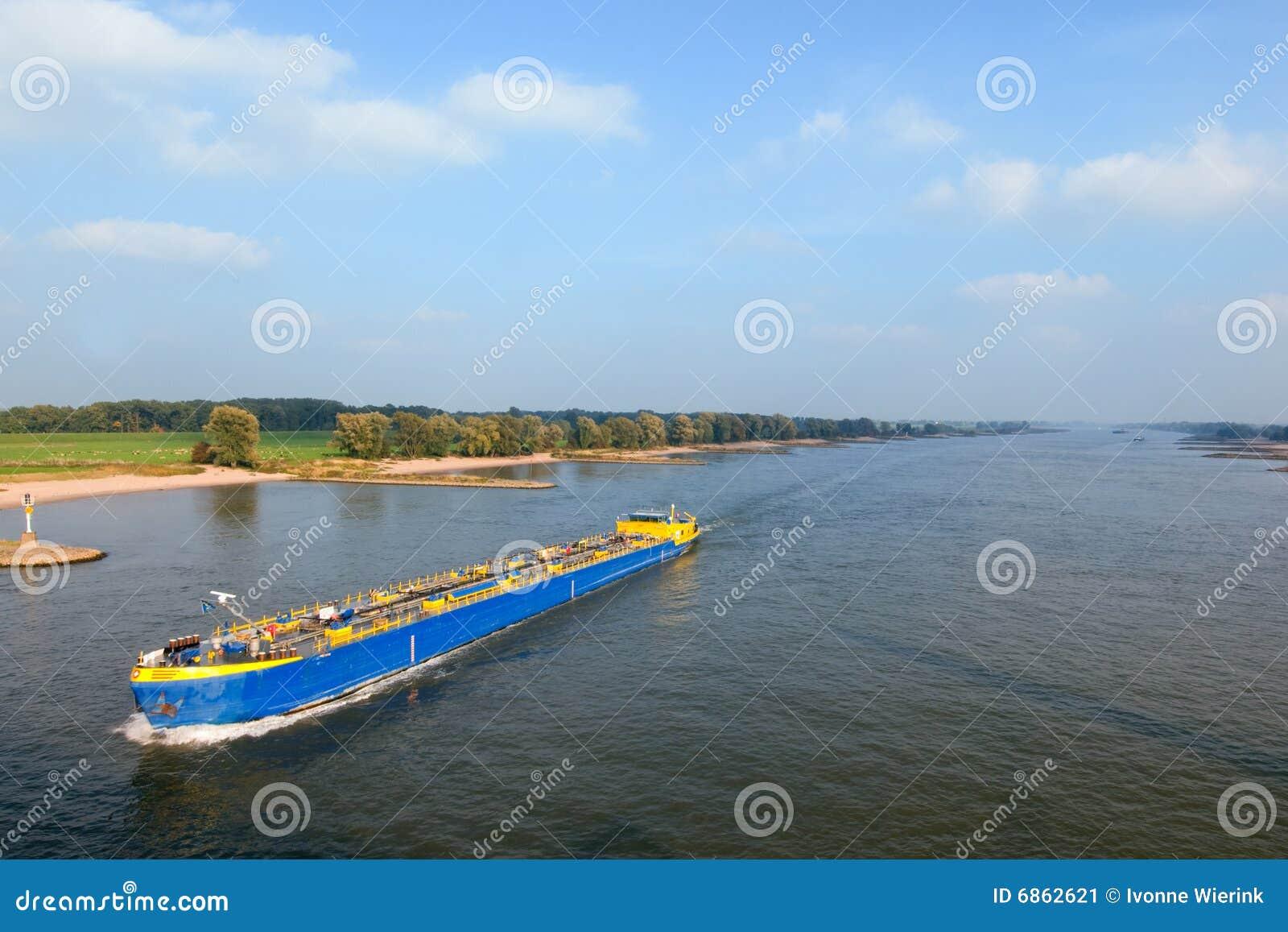 река шлюпки