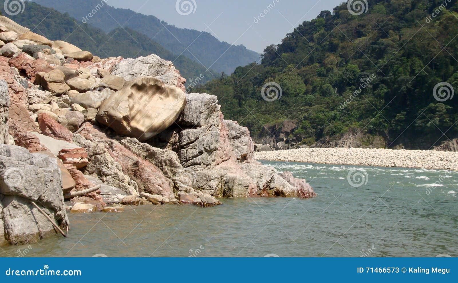 Река Brahmaputra в pasighat, Arunachal Pradesh