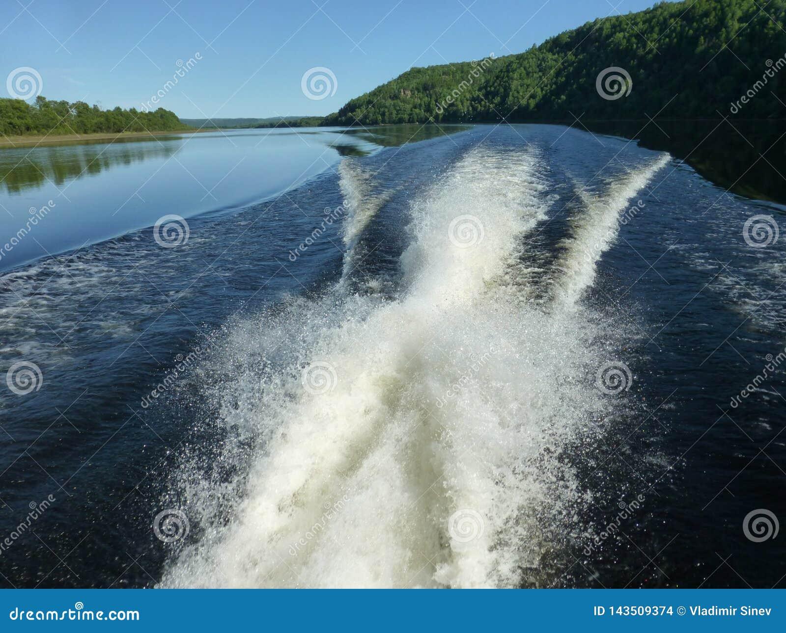 Река burej