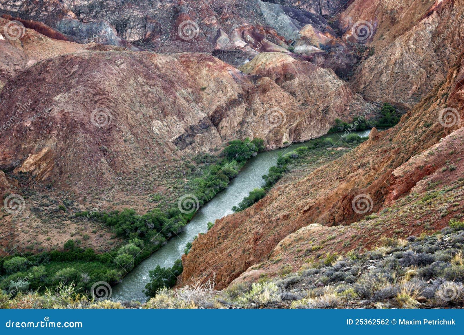 река charyn каньона