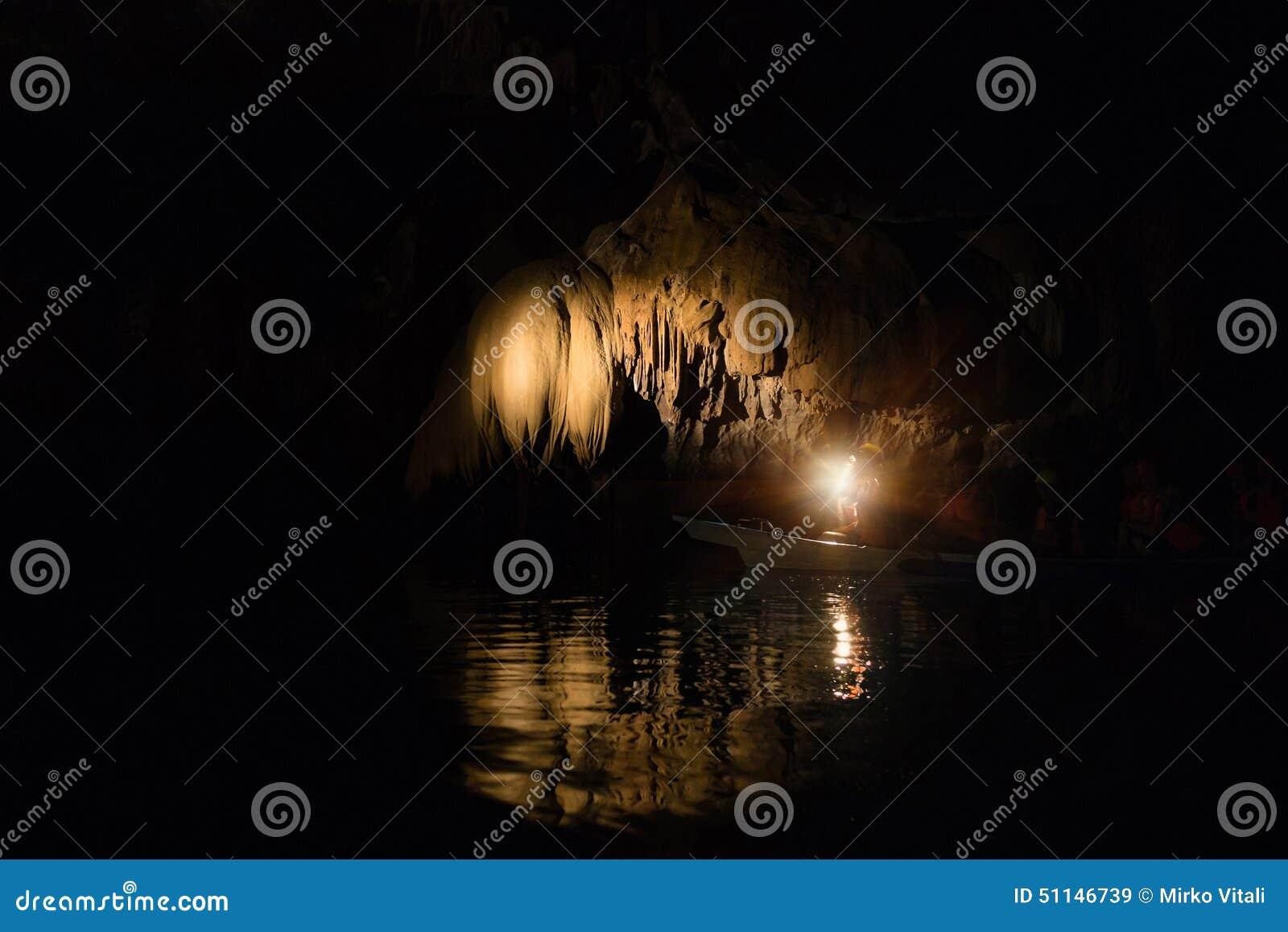 Река Puerto Princesa подземно-минное подземное в Филиппинах