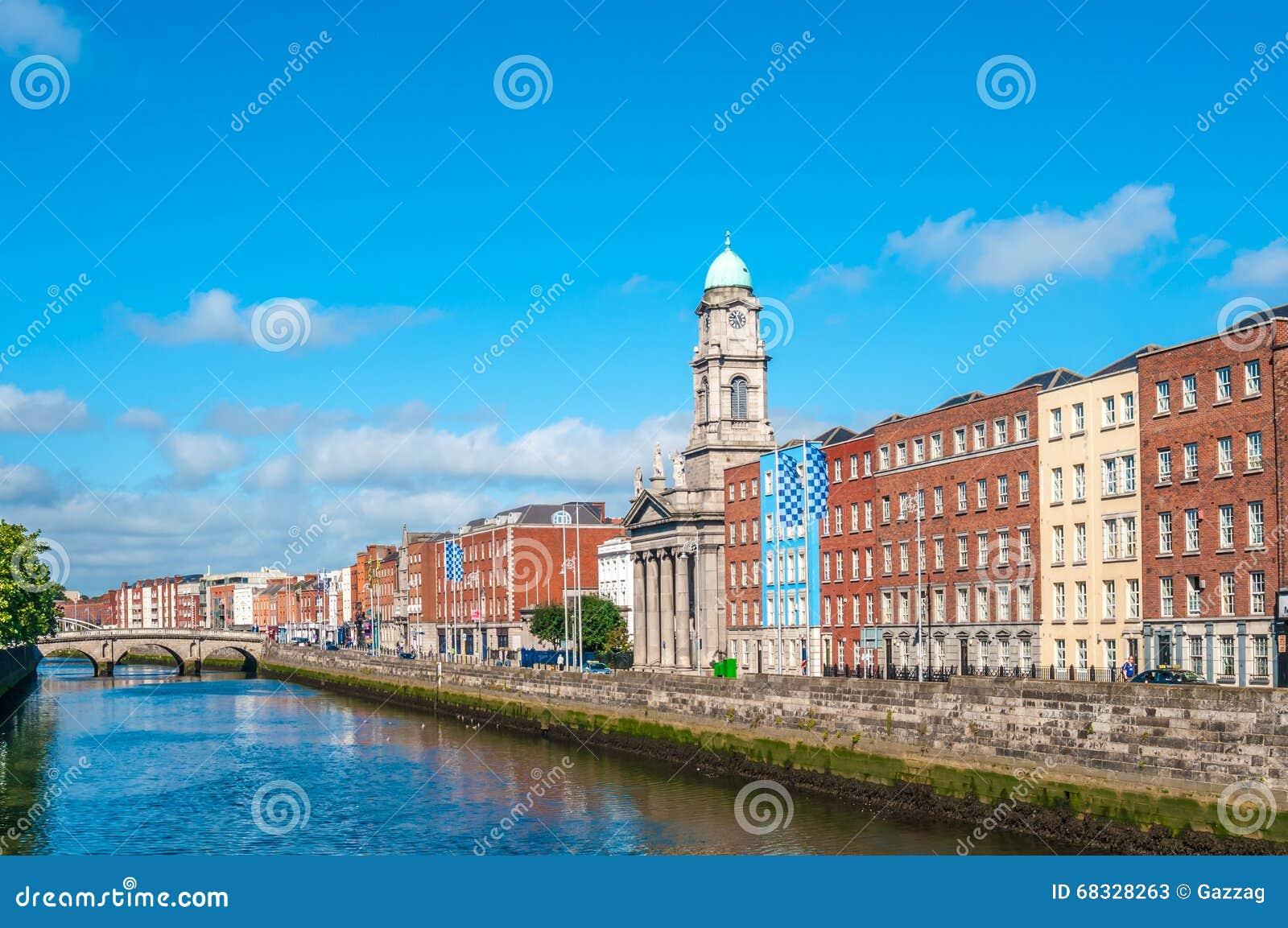 река samuel liffey dublin Ирландии моста beckett
