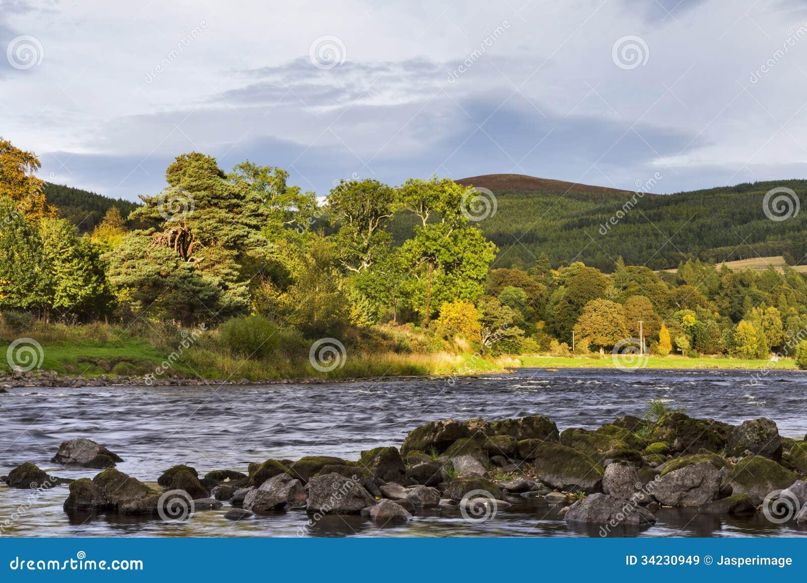 Река Spey на Craigellachie.