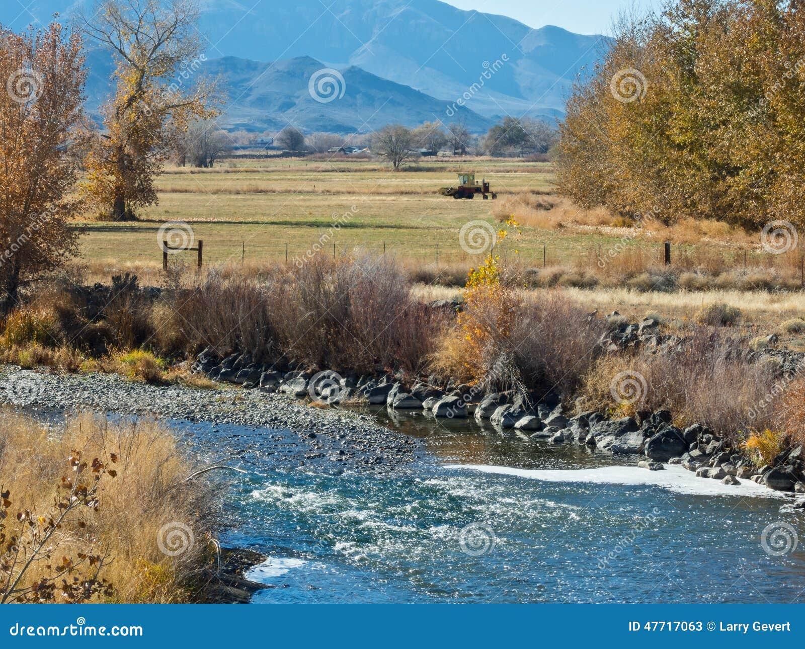 Река Truckee через Wadsworth, Неваду