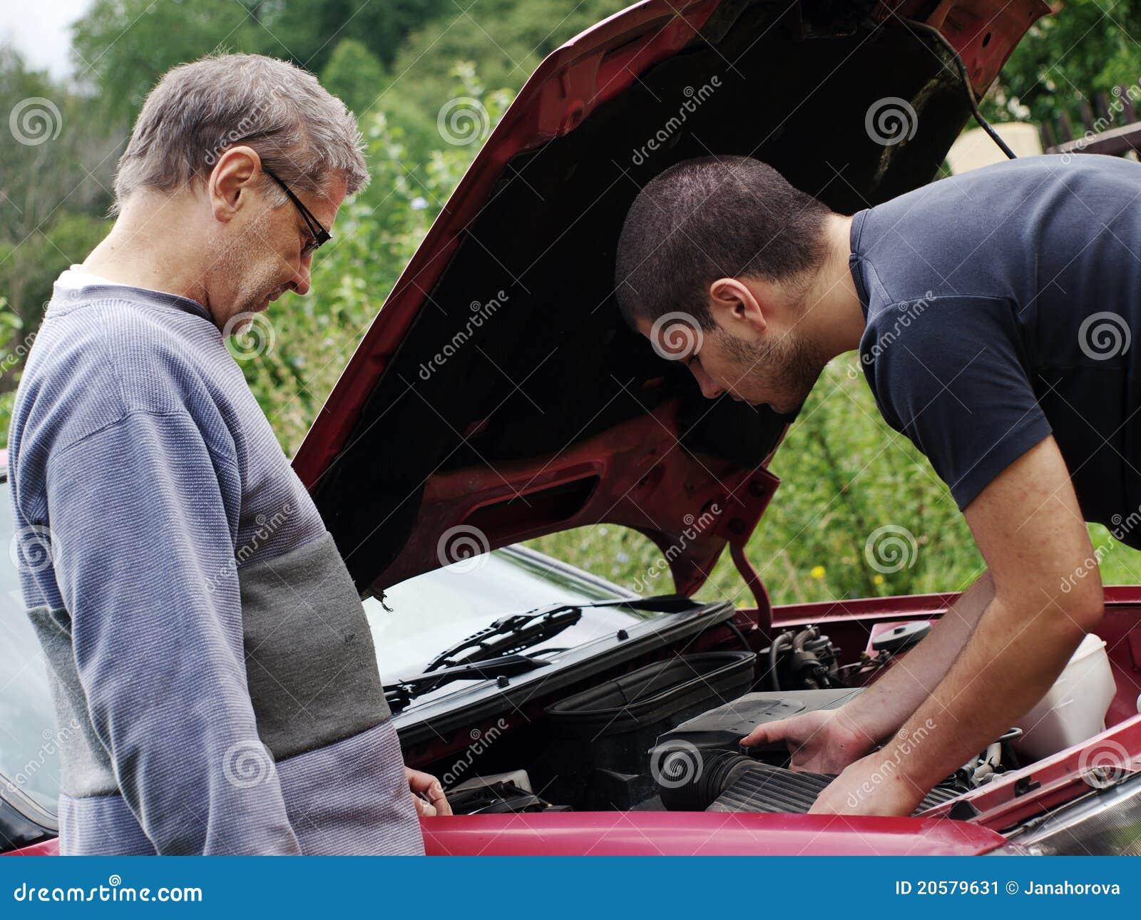 ремонтировать автомобиля