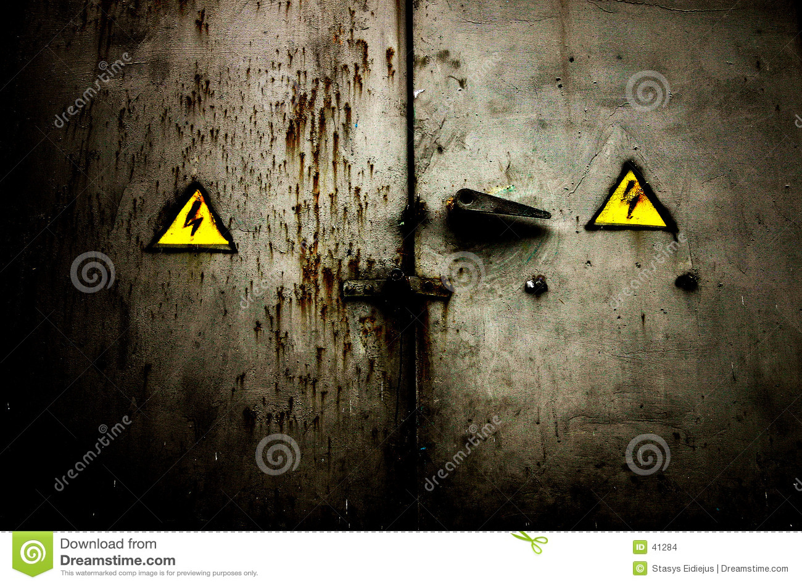 ржавое двери grungy старое