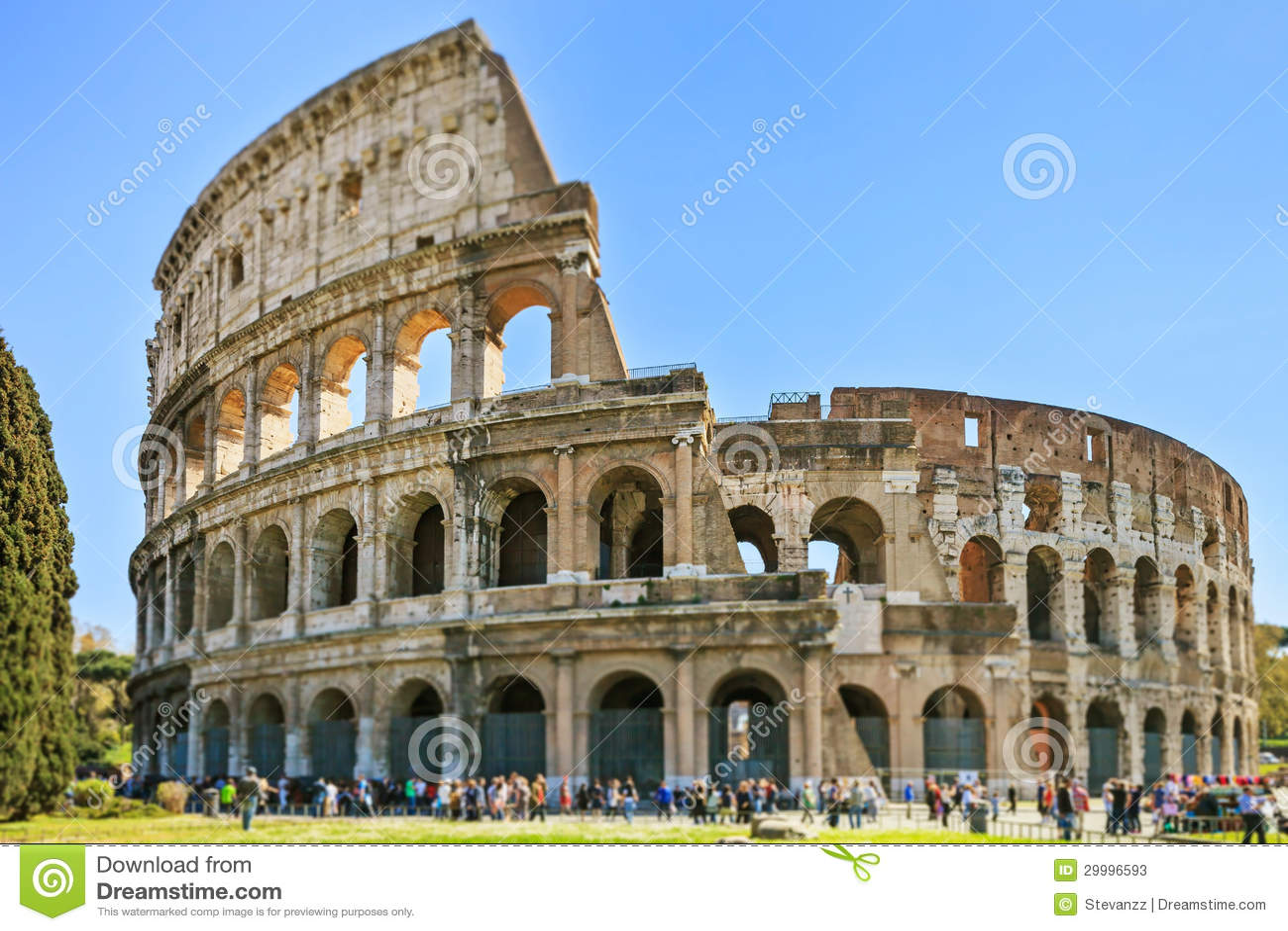 Римский наземный ориентир зодчества Colosseum в съемке переноса наклона. Рим, Италия