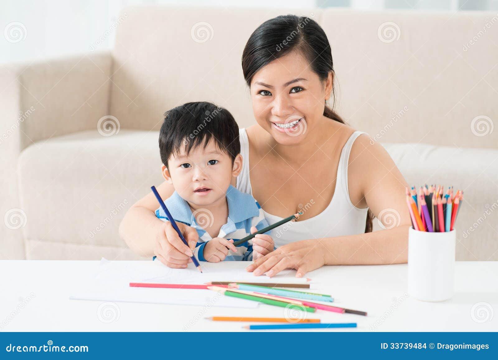 Рисовать с мамой