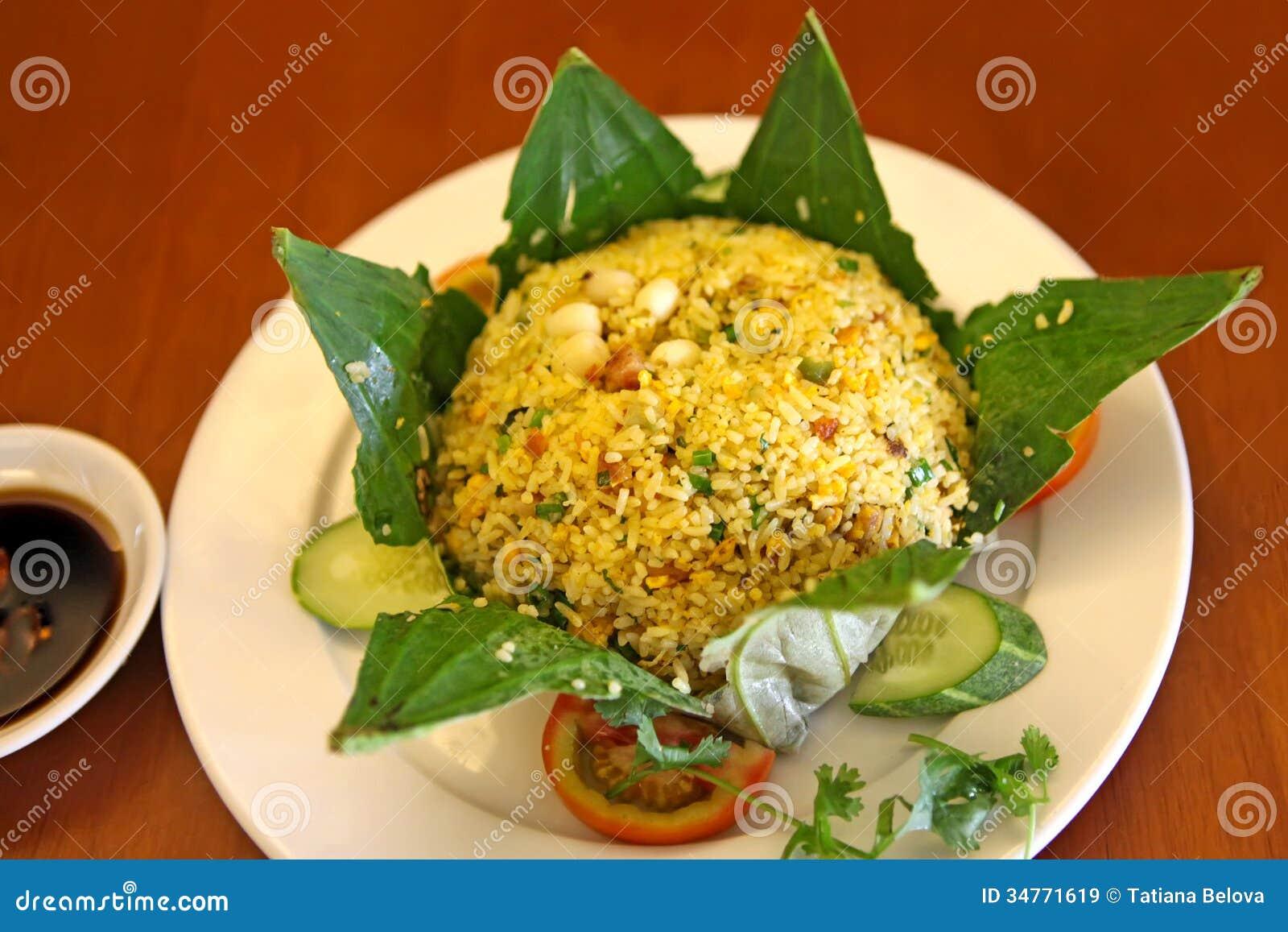 Рис в лист лотоса