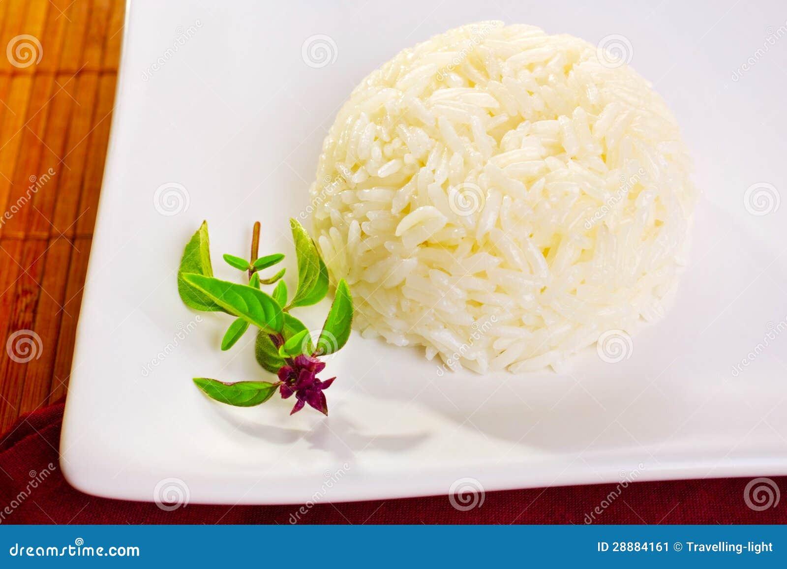 Рис жасмина и тайский базилик
