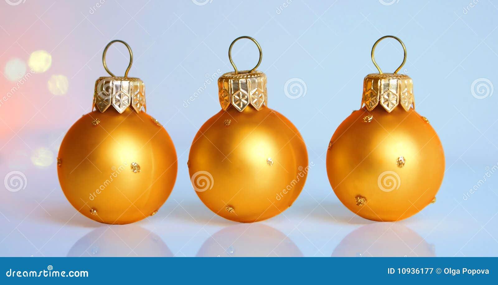 рождество 3 шариков