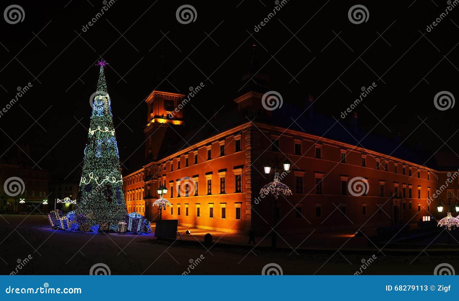 Рождественская елка около квадрата замка, Варшавы, Польши