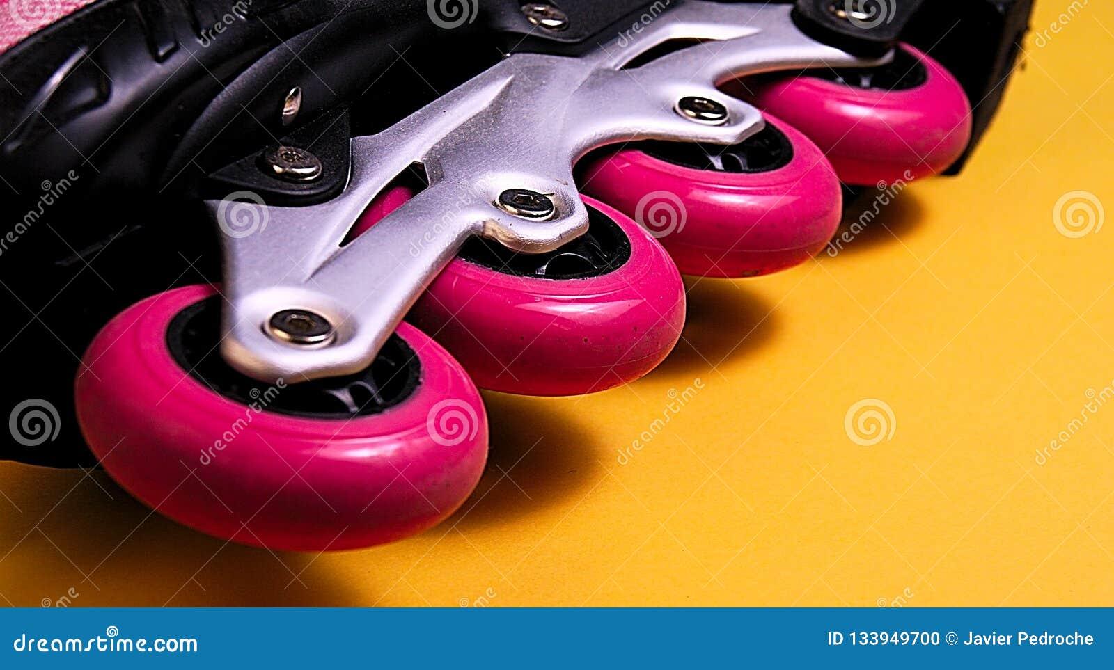 Розовые колеса конька