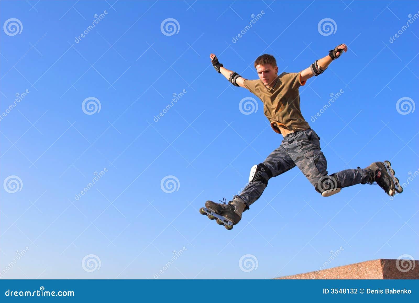 ролик парапета мальчика скача