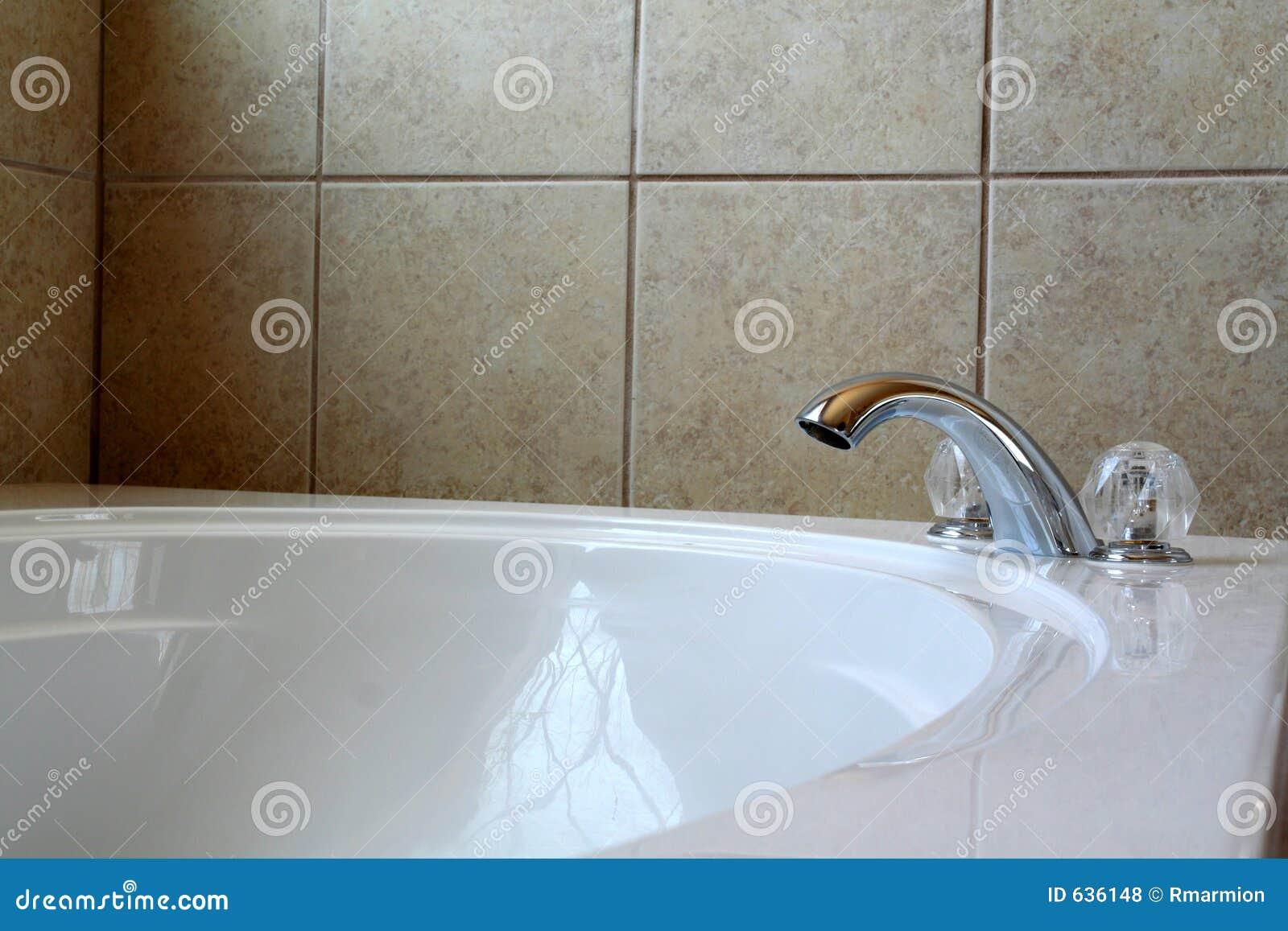 Download роскошь ванны стоковое фото. изображение насчитывающей дивизионов - 636148