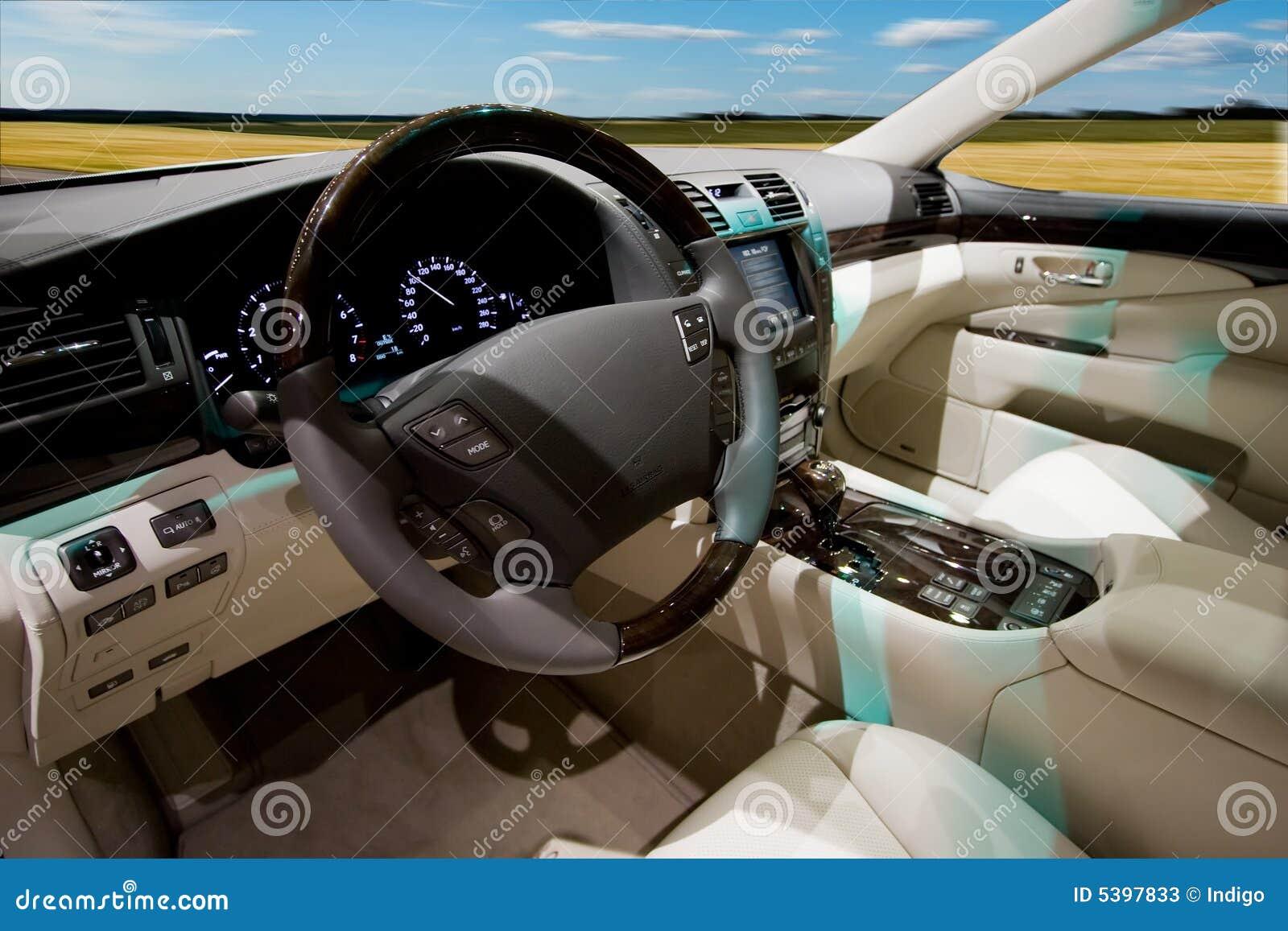 роскошь интерьера автомобиля