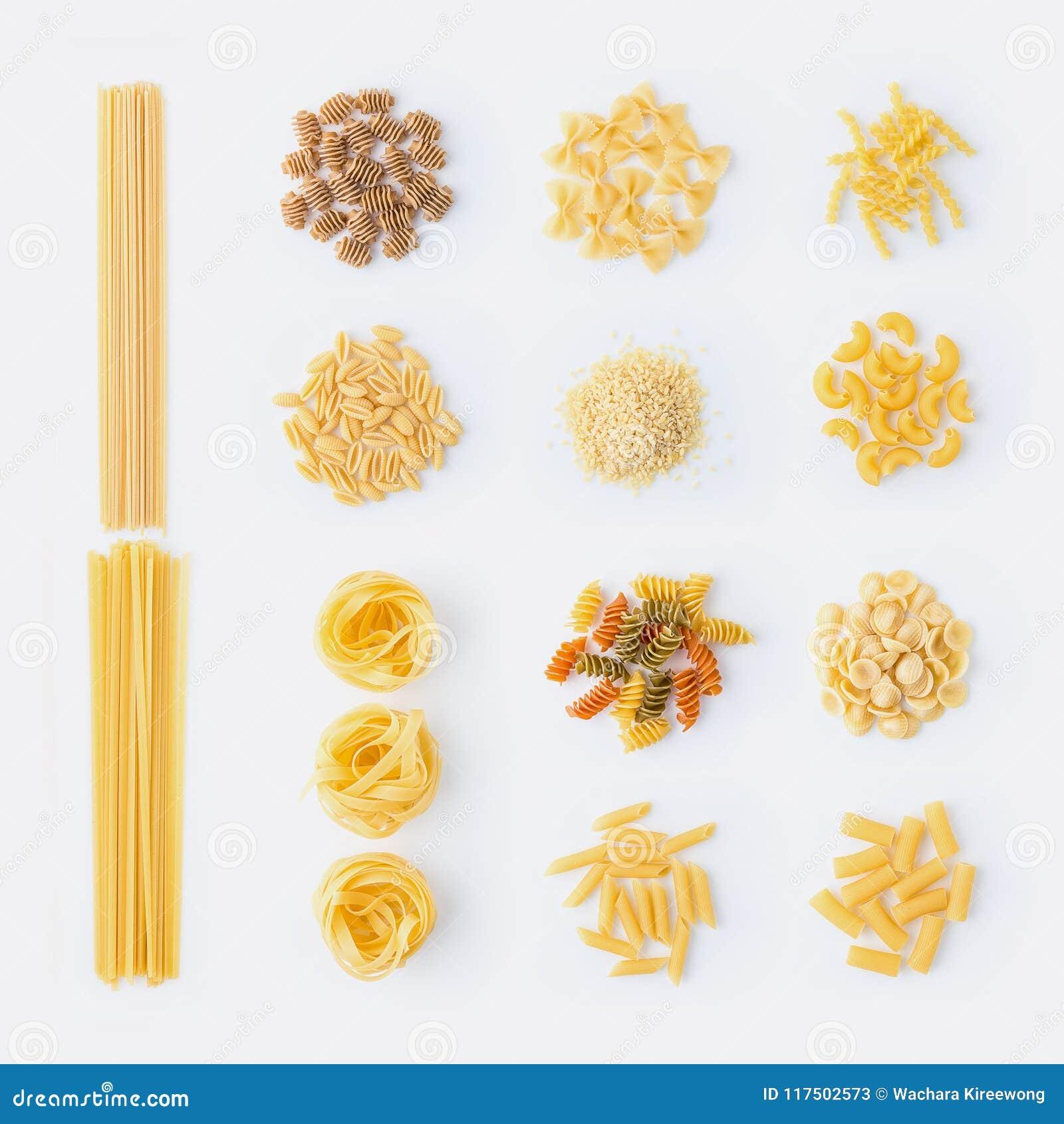 роскошь уклада жизни превосходной еды кухни carpaccio итальянская Комплект сортированных типов макаронных изделий: спагетти, maca