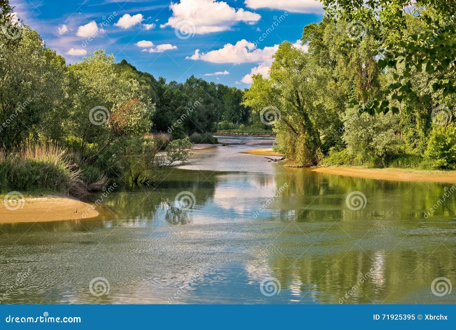 Рот рек Дравы и Мураы в Podravina