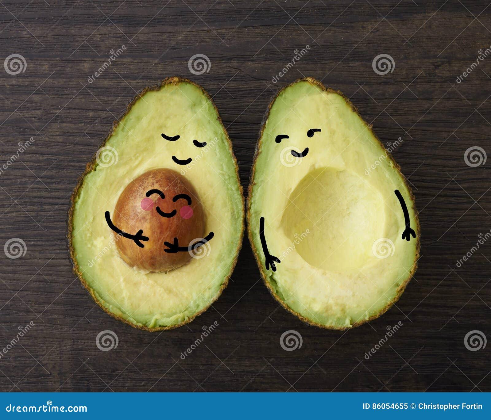 Родители авокадоа с их ребенком или младенцем