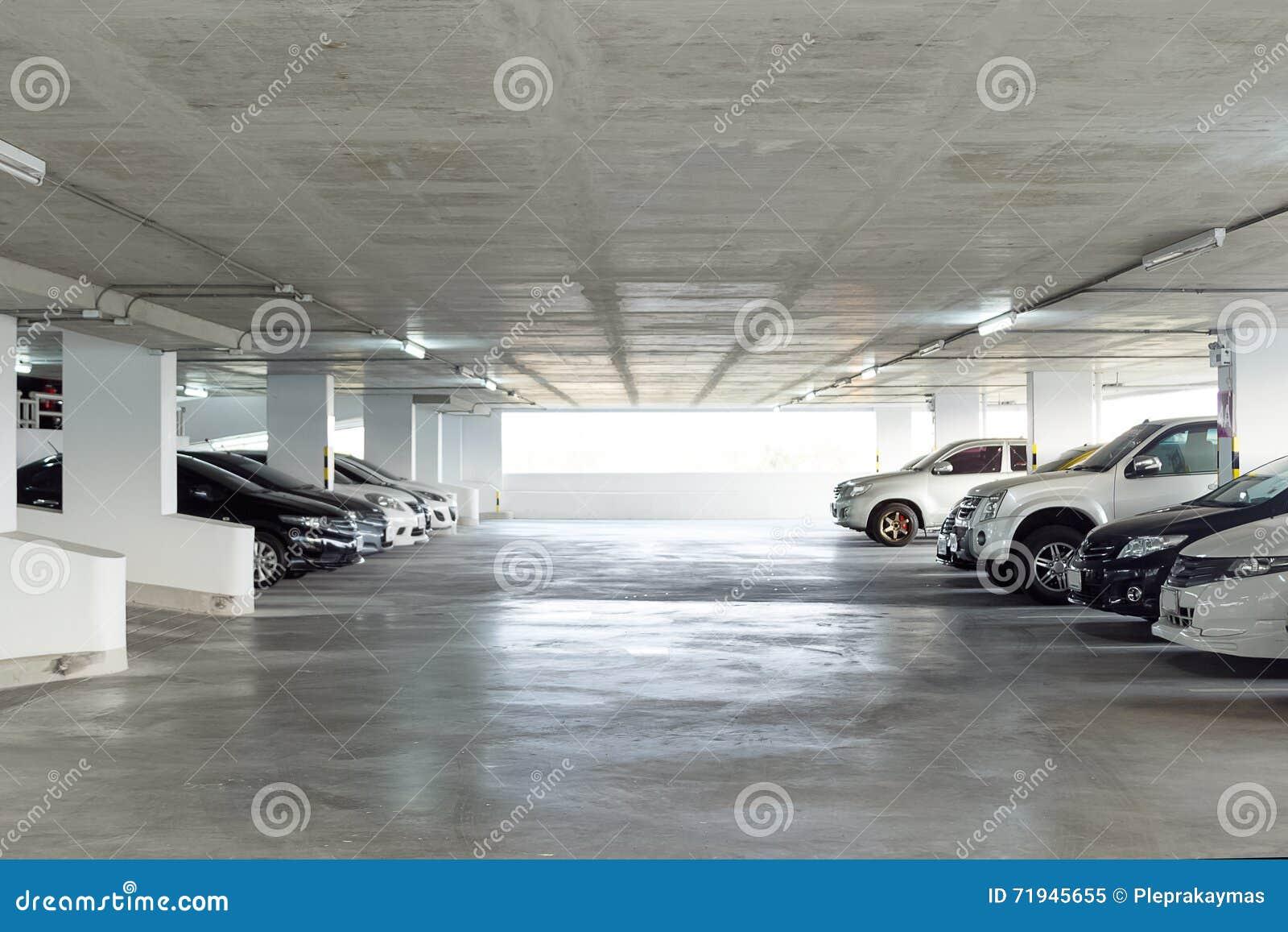 Родовой интерьер автостоянки, стояночная площадка