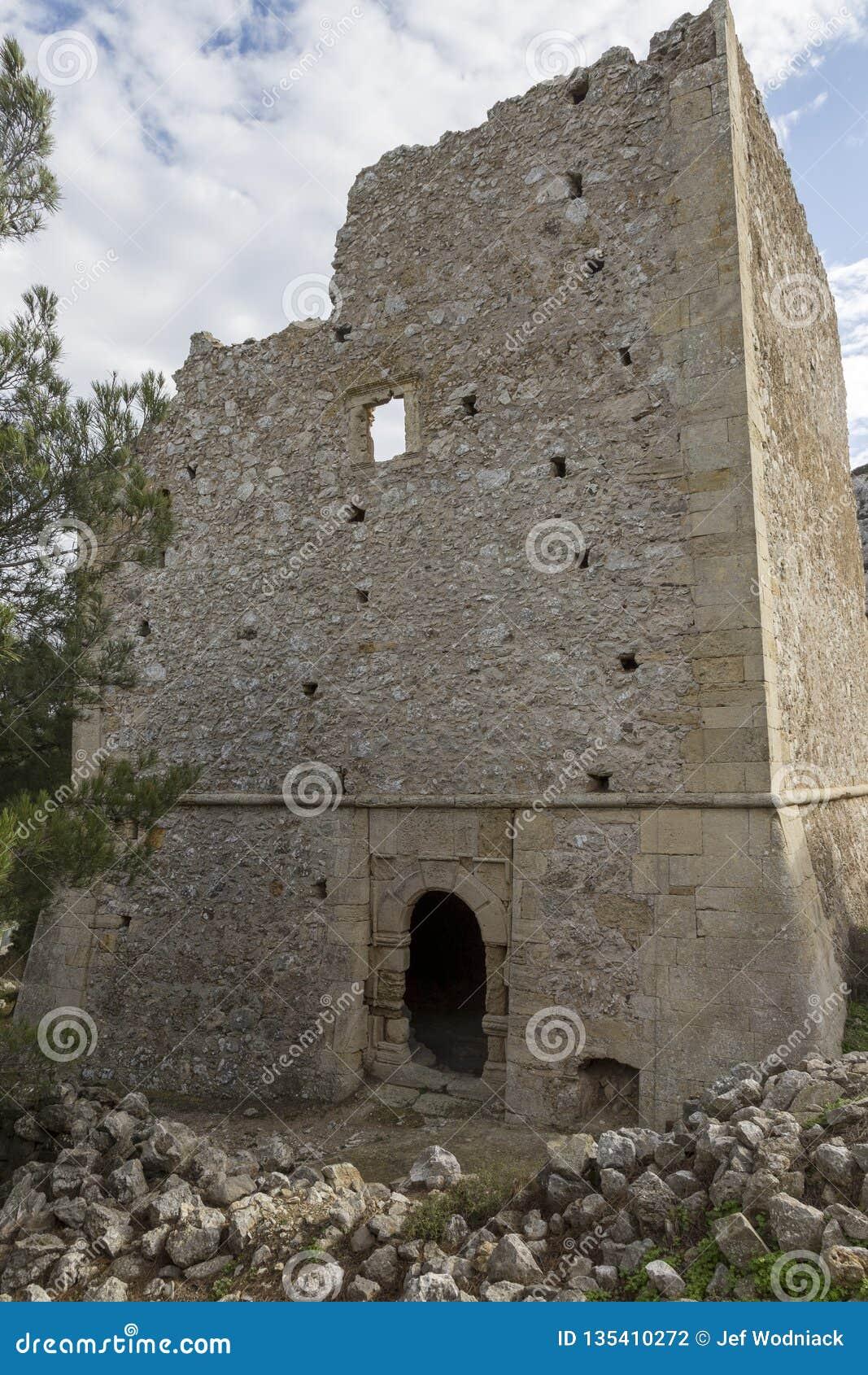 Руины старого венецианского дома на венецианской деревне Voila Крит Греция