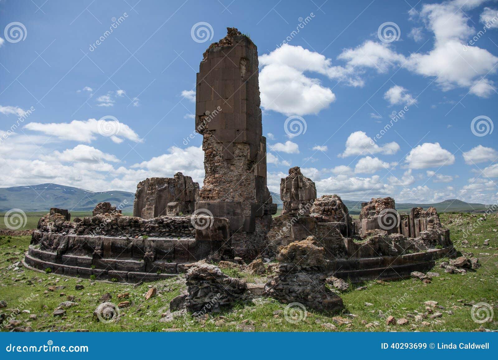 Руины церков, ани, индюк