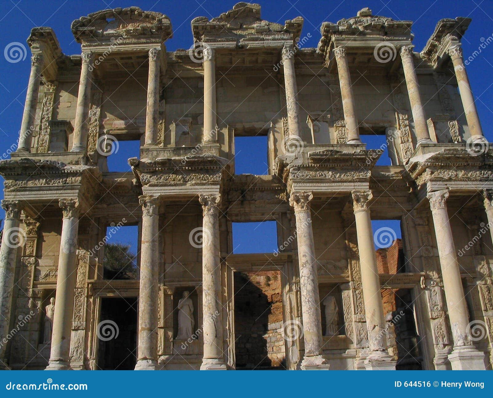 Download руины ephesus стоковое фото. изображение насчитывающей римско - 644516
