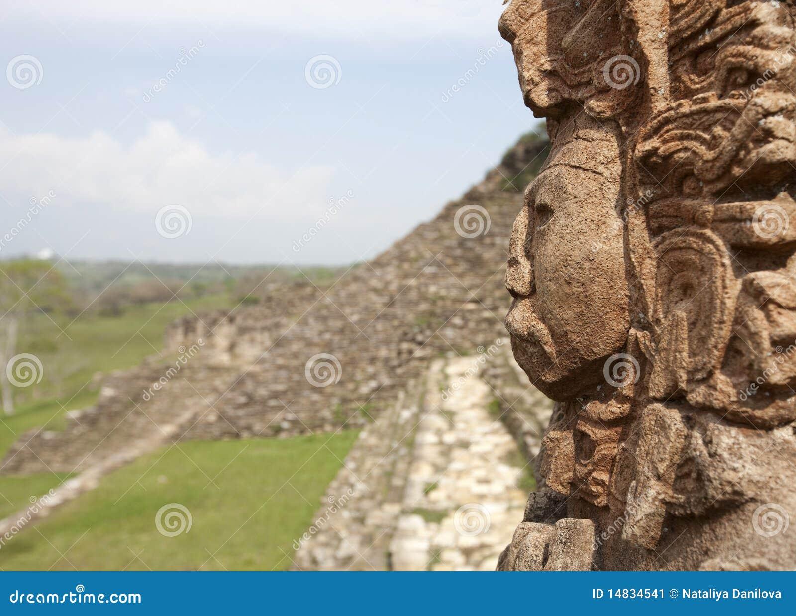 руины maya