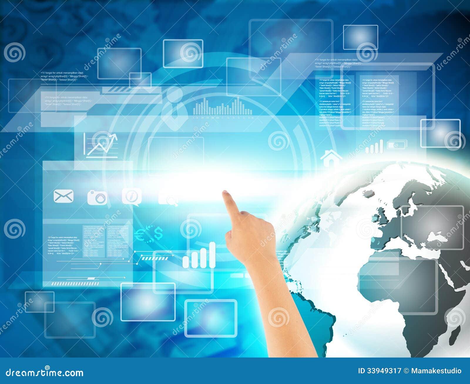 Рука касаясь с современным цифровым виртуальным экраном