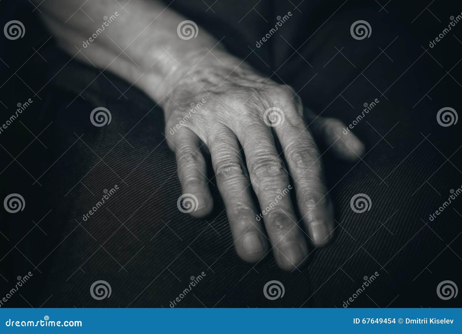 Рука старика