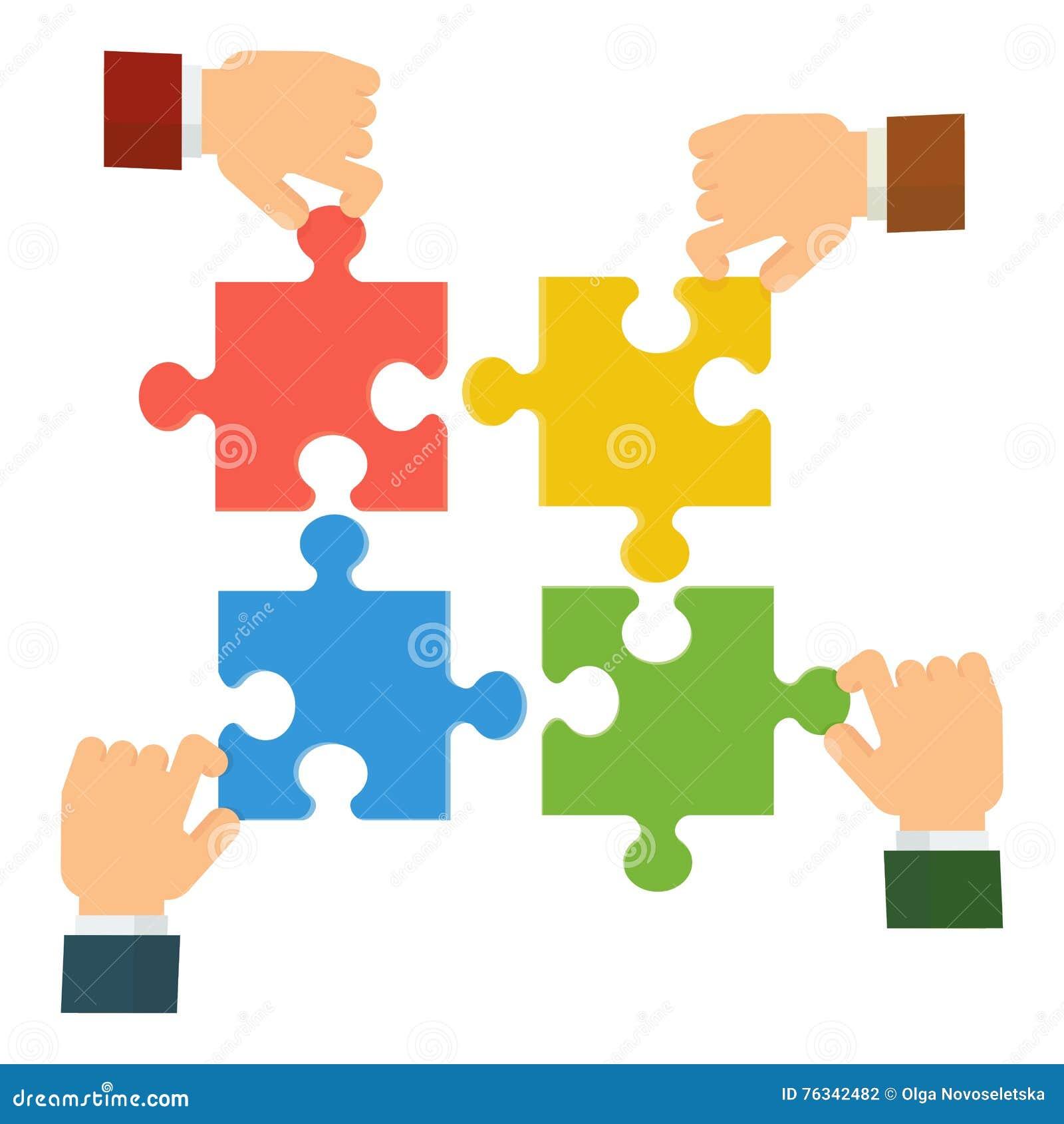 Руки собирают головоломку