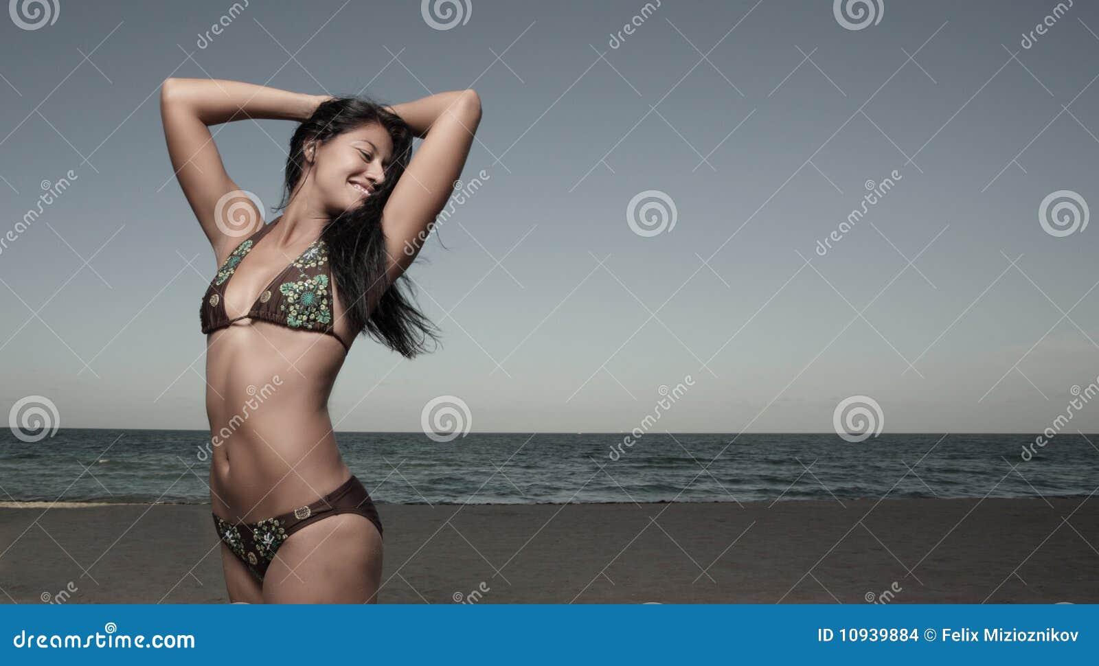 рукоятки удлиняя ее женщину