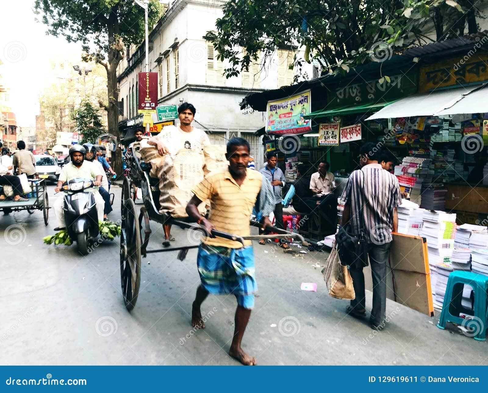 Рук-вытягиванная рикша