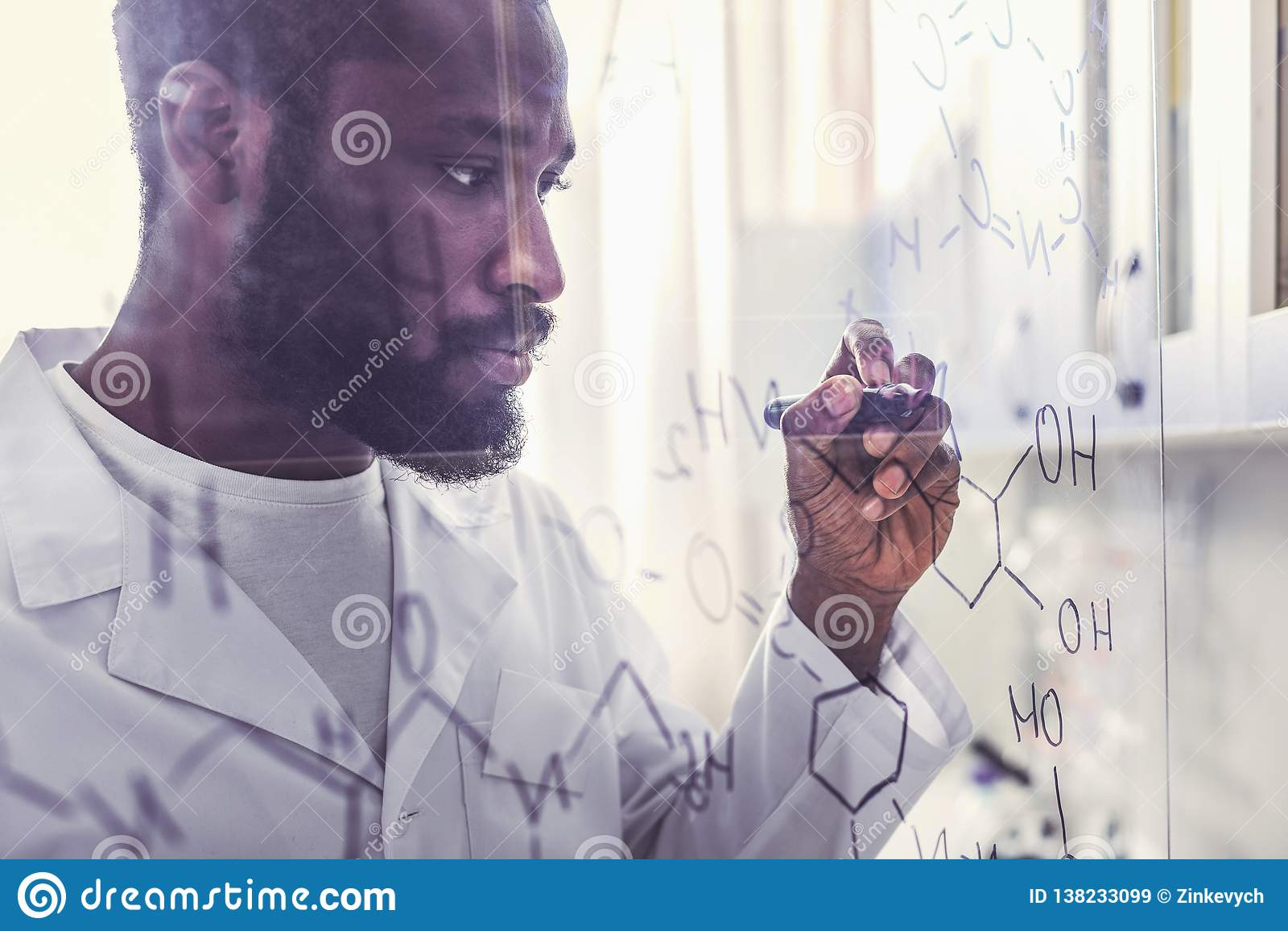 Ручка отметки удерживания химика писать валовую формулу